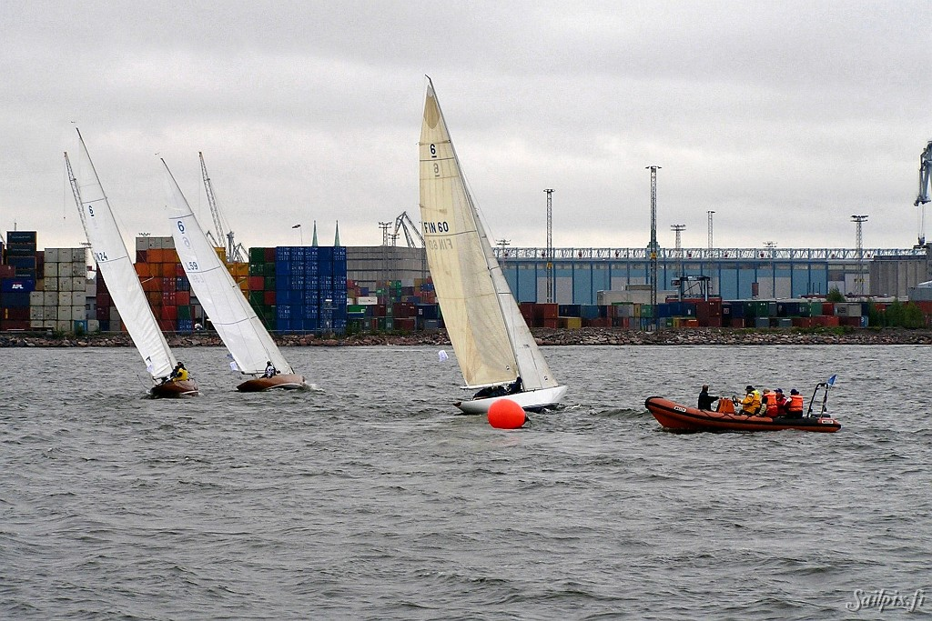 The Finnish Six Metre Association organized a fleet race for the customers of Endero Ltd.