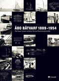 Price: 40,00€ Go to Shop Pirkka Leino,Jarmo Saarinen ISBN: 978-952-5045-47-5 Vuosina 1889–1954 toiminut Åbo Båtvarf oli Pohjoismaiden suurin veneveistämö ja merkittävä tekijä koko Euroopan mittakaavassa. Veistämöllä rakennettiin kaikkiaan yli 5 000 venettä. Sen toiminnalla on ollut huomattava merkitys Suomen huvi- ja kilpaveneilyn kehitykselle. Tuotannon kirjo ulottui soutu- ja pelastusveneistä tykki- ja torpedoveneisiin sekä luksushuvipursiin. Näillä […]