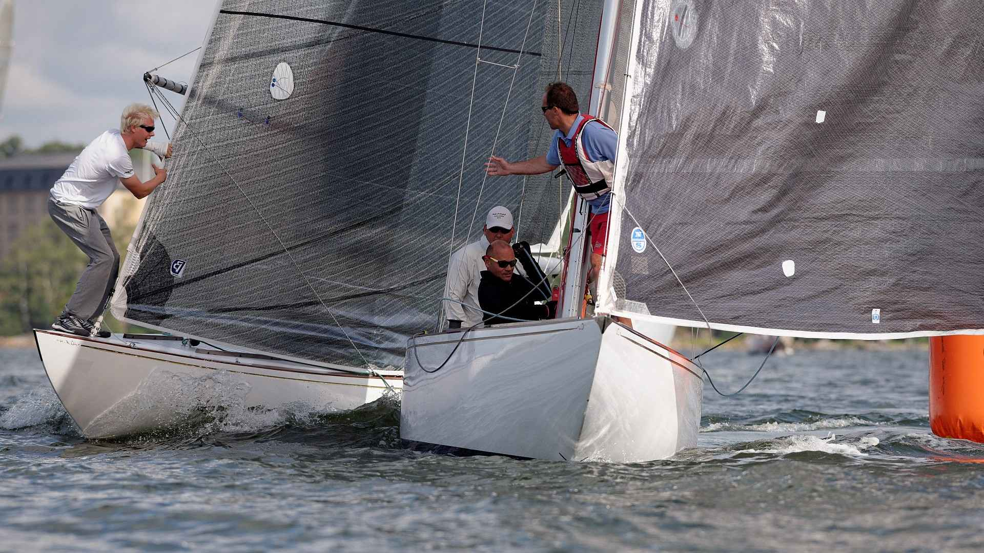 "Sinebrychoff Challenge organized by NJK and sponsored by Sinebrychoff. Annual challenge race for 6mR yachts, where winner of the 3 morning races meets last years champion in one-on-one races in the afternoon. Again the last year winner ""Sara af Hangö"" was successful in defeating the championship. This year with a 2-0 result against the fresh Finnish […]"