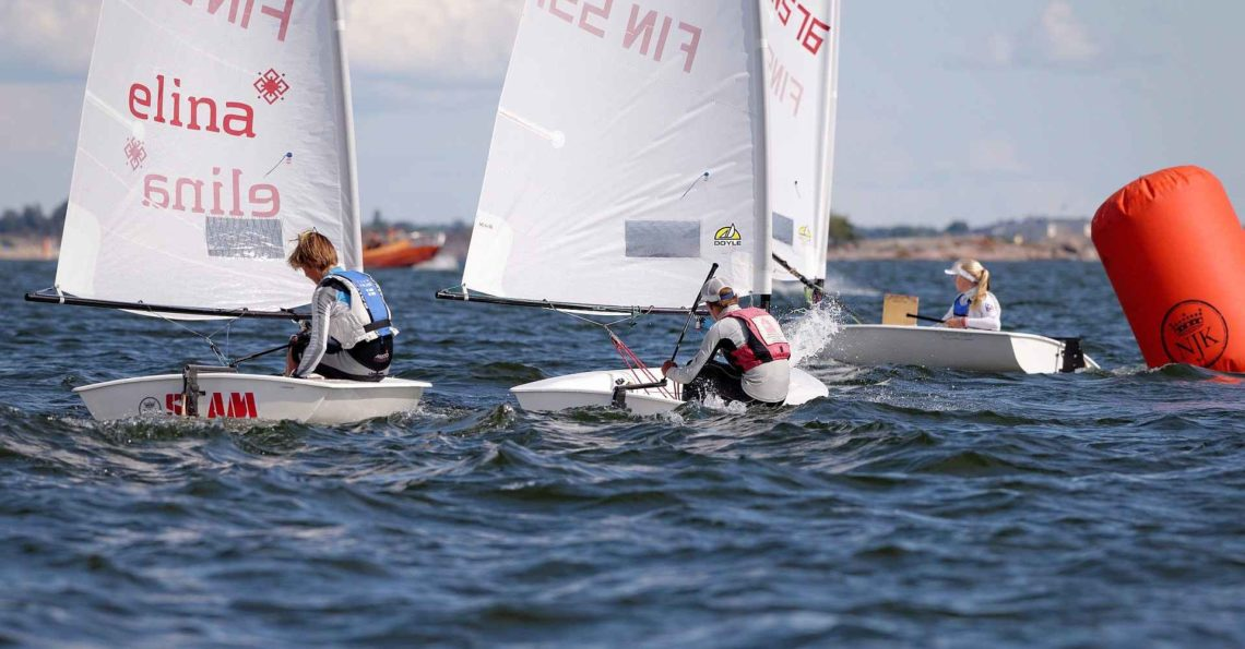 First race on last day at the Zoom8 Finnish Championship was delayed until 13:00 in the afternoon because of lack of wind. Anyhow all 3 planned races were sailed during the day. Photos are from the first and second race and trying to cover all the brave junior sailors. Final results.