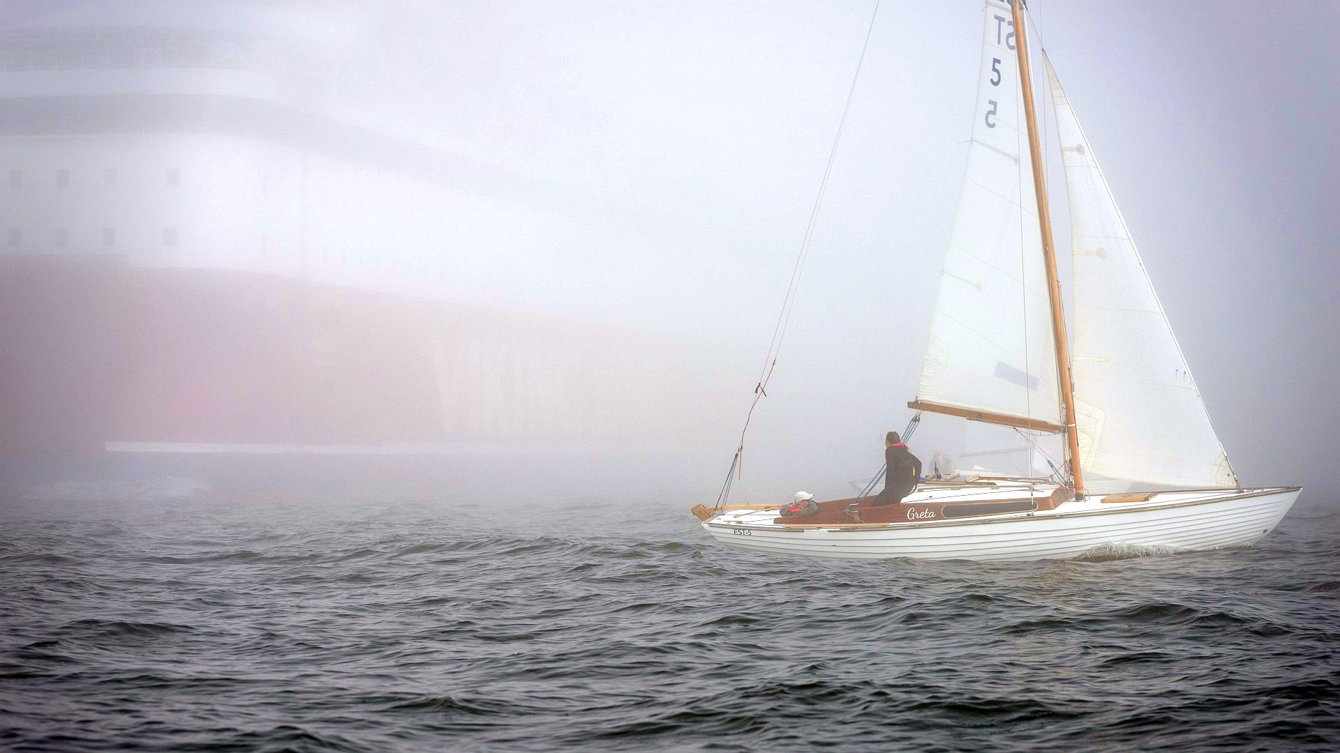 The first day at the Nordic Folkboat Finnish Championship started in heavy sea mist. Practical visibility was less than 200 meters, so first time ever I had to start by driving my RIB to the organizers (NJK) harbour and ask where the boats are. Luckily one Race Committee motor boat with Pata and Robbie happened […]